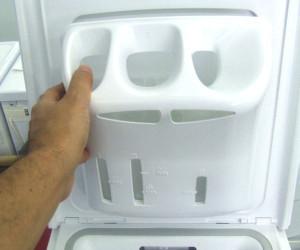 Il cassetto del detersivo della lavatrice con carica dall for Lavatrice con carica dall alto
