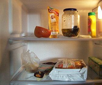 Come disporre gli alimenti in frigorifero: i consigli ...